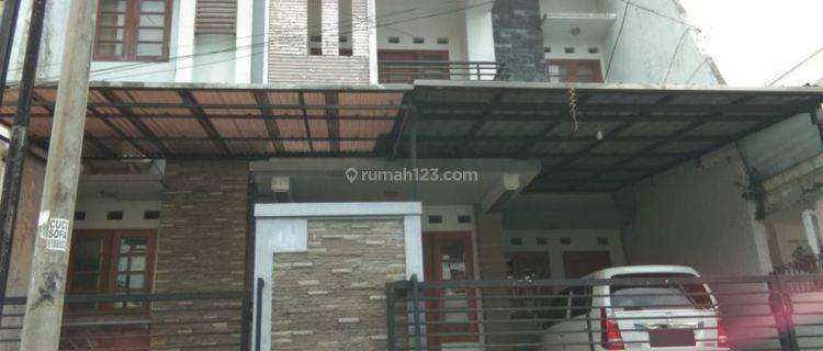 Rumah Bagus 4 kamar di Tidar Malang GMK00242