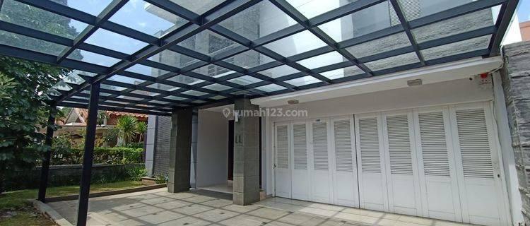 Rumah Mewah Minimalis Komplek Dago Resort Pakar Bandung