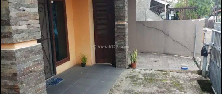 Rumah Strategis Siap Huni 4 Kamar di Kopo Permai, Bandung
