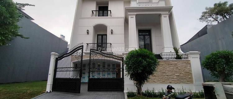 Rumah Permata Buana New American Classic Style