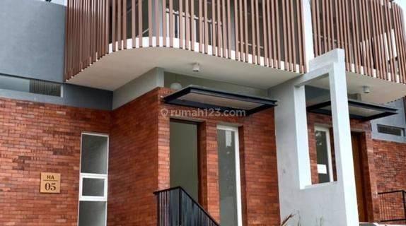 Rumah di Perumahan Exclusive The OZ Tidar Kota Malang