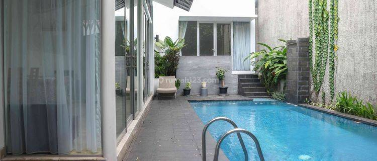 Comfy compound house in Cipete - 150sqm, 2BR, Furnished, Ready to move in!