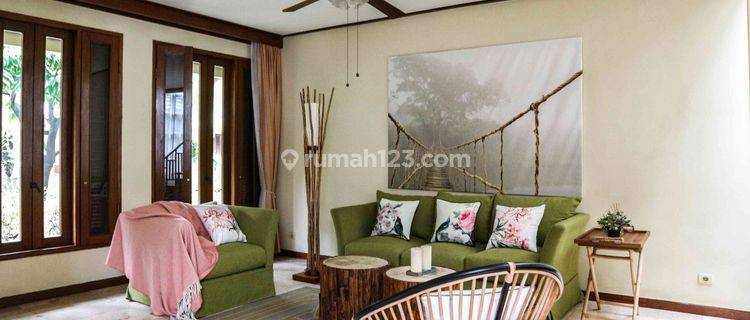 Compound house in private area, Cilandak - Furnished, 350sqm, 3BR, Ready to move in!