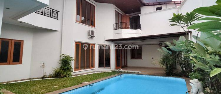 Compound house in Cipete, 450sqm 4BR with private pool, ready to move in!
