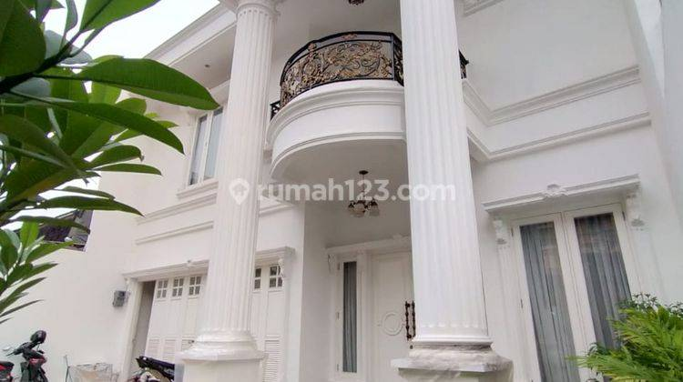 The Newly Luxury Classic House With Ptivate pool at Tebet Barat, Jaksel 1
