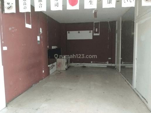Rumah Mewah di Raya Surabaya 13