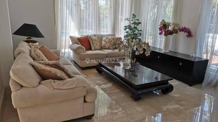 Rumah Luxury and Elegant di Kebun Jeruk Harga Nego
