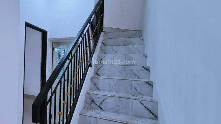 Rumah murah beli 1 lantai promo dapet 2 lantai lokasi strategis dekat pintu tol cibubur/tol jatikarya citra grand 7