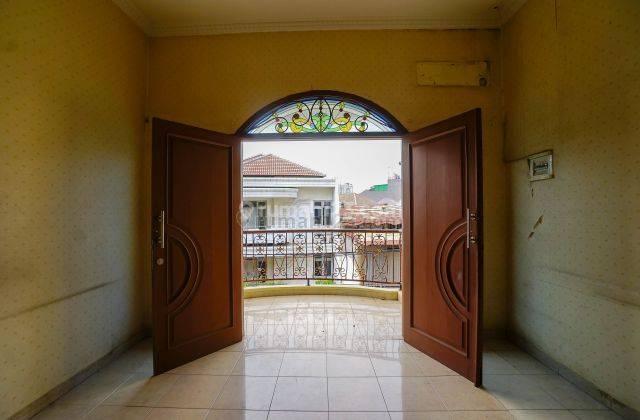ANA*Rumah 184 m2 di Komplek Taman Harapan Indah, Jelambar. 27