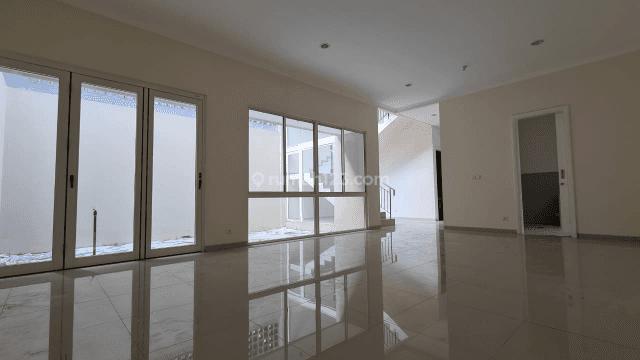Harga Terbaik,Siap Huni , Tipe Dandelion Bangunan 2 Lantai di Sutera Orlanda,Alam Sutera,Tangerang 10