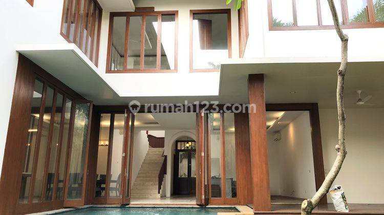 Tropical compound house in Cipete, Jakarta Selatan