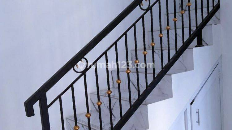 Rumah Murah 2 lantai Minimalis Cluster Deket Pintu Tol Gate 2 Jatiasih 6