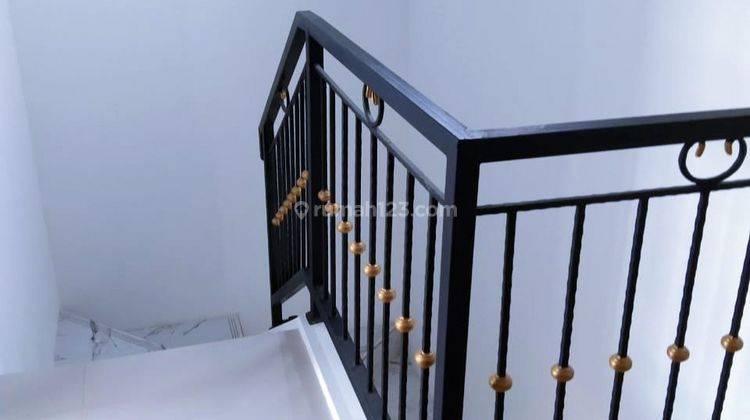 Rumah Murah 2 lantai Minimalis Cluster Deket Pintu Tol Gate 2 Jatiasih 8