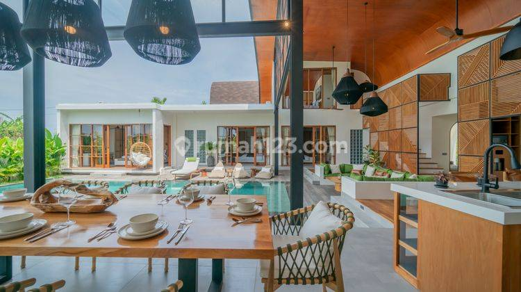FIVE BEDROOMS VILLA IN PERERENAN WITH PRICE USD 580,000 19