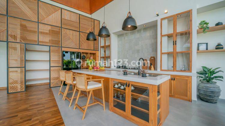 FIVE BEDROOMS VILLA IN PERERENAN WITH PRICE USD 580,000 23