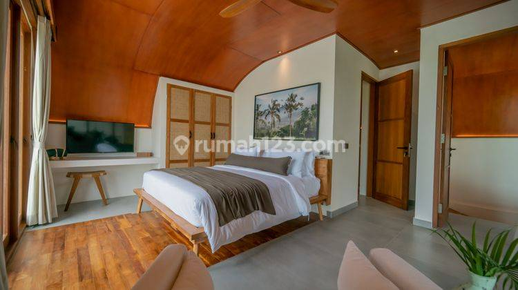 FIVE BEDROOMS VILLA IN PERERENAN WITH PRICE USD 580,000 13
