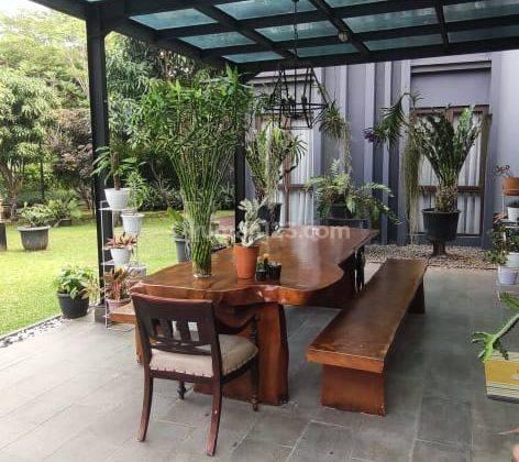 Rumah cantik siap huni di kawasan exclusive dePark