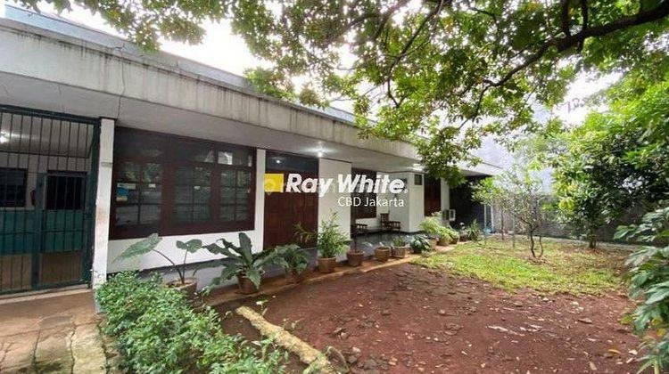 Rumah Jl. Patiunus Kebayoran Baru 1