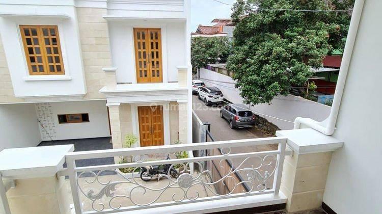 Rumah 2,5 Lantai Kualitas Premium Bisa Custom Denah Rumah Strategis di Gedong, Pasar Rebo, Jaktim 6