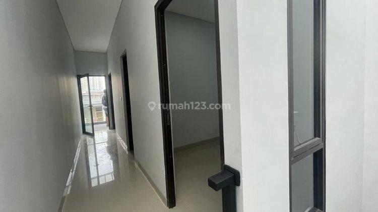 CHANDRA*rumah baru 3 lantai akses lega jalan lebar tanjung duren 5