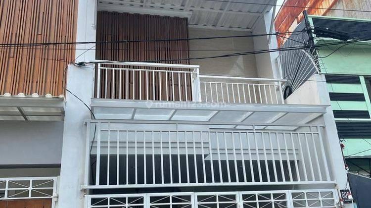 CHANDRA*rumah baru 3 lantai lokasi bagus dalam komplek jembatan lima 1