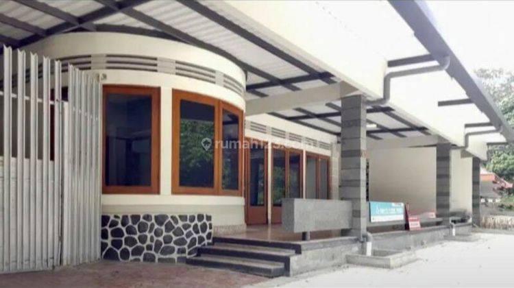 Rumah dengan Lokasi Super Strategis di Sayap Jl. Riau, Cocok untuk Ruang Usaha atau Kantor