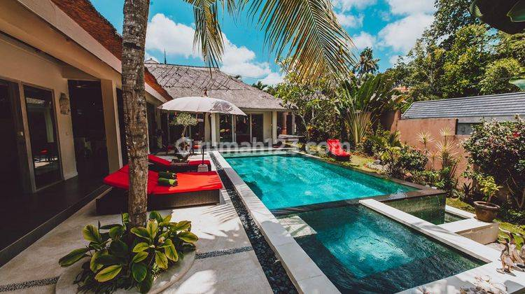 Stunning Three Bedroom Villa on 517sqm Land + Tranquil 1 Bedroom Suites 240m2  in a Chic Boutique Resort 1436m2 only 7 minutes from Canggu Beaches