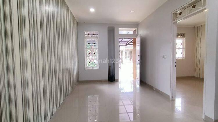 Rumah Minimalis Include Kitchen Set di Sentul City 10