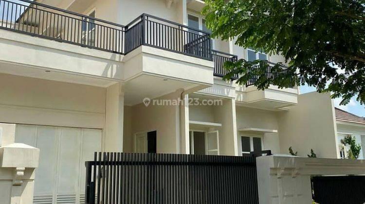 Rumah modern eksklusif lokasi strategis di  Semarang