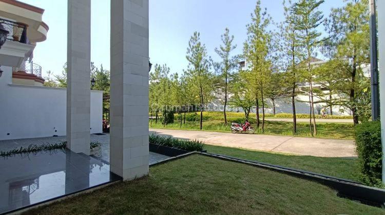 Rumah Modern Classic Green Area di Sentul City 8
