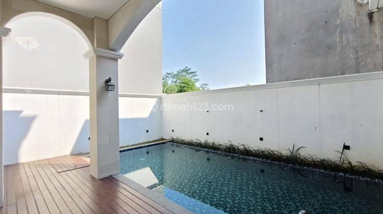 Rumah Modern Classic Green Area di Sentul City 24