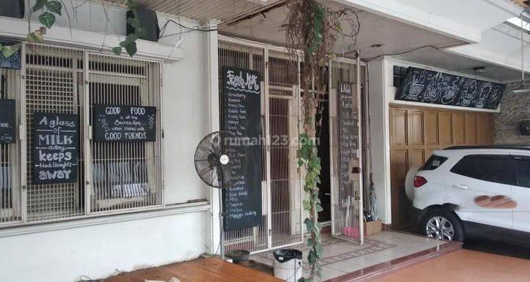 Rumah Bagus Cocok Untuk Cafe Taman Hollis Indah, Bandung