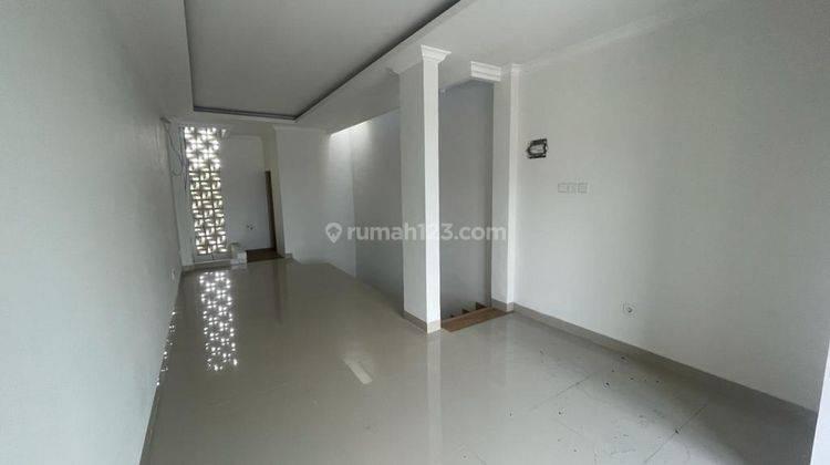 CHANDRA*ruko baru 3 lantai bangunan bagus bisa kantor jlan lega tomang 8