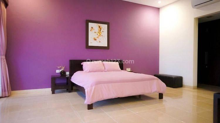 Cepat,BUC. Villa Cantik Terawat 2Lt, Siap Huni. Lokasi Depan Jalan Raya Utama 3