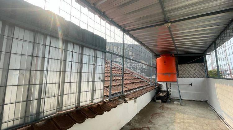 CHANDRA*rumah full renov 2 lantai lokasi bagus di jalan besar jelambar 3