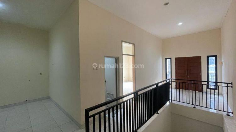 CHANDRA*rumah full renov 2 lantai lokasi bagus di jalan besar jelambar 6