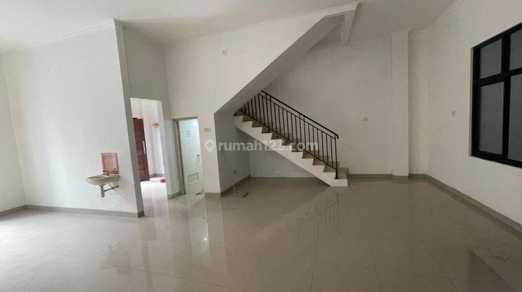 CHANDRA*rumah full renov 2 lantai lokasi bagus di jalan besar jelambar 9