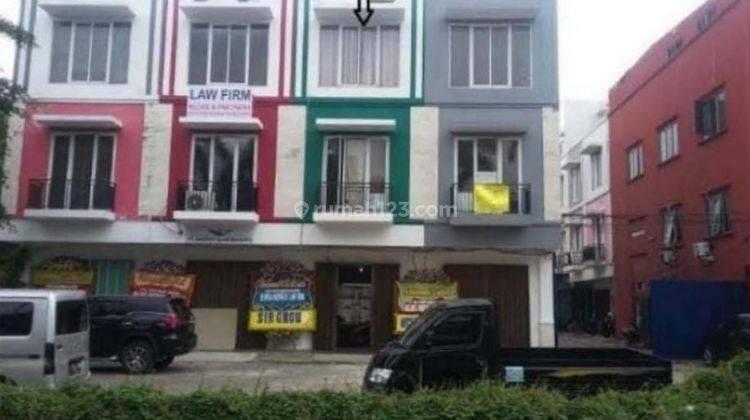 Ruko bagus sudah Renovasi 3 lantai 2.2 m Tato 087875863425