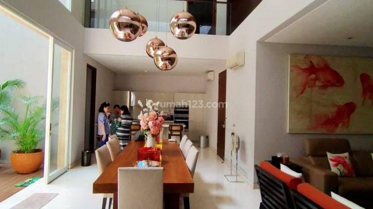 Rumah hunian elegant dan prestigious di Tomang
